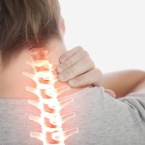 Przewlekły ból szyi i karku? Nie lekceważ problemu!